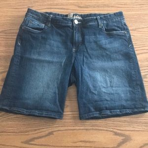 Kut from the cloth Bermuda jean shorts size 16W